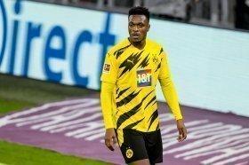 Arsenal considering move for Borussia Dortmund defender