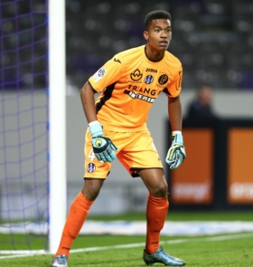 Arsenal tracking Alban Lafont as eventual Cech replacement