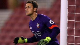 Arsenal, Liverpool vying for Southampton goalkeeper