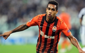 Chelsea confident of Teixeira deal