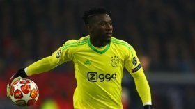 Manchester United fail with £35m offer for Ajax star