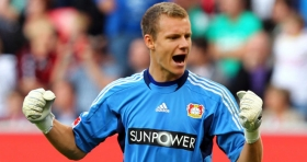 Liverpool enter race for Bernd Leno