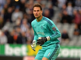 Asmir Begovic signs for Bournemouth