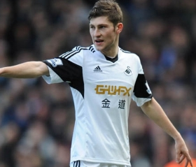 Spurs offer £8m for Ben Davies