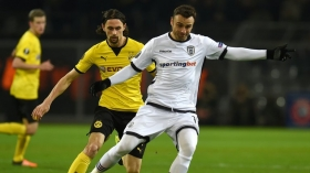 Dimitar Berbatov keen on Premier League return