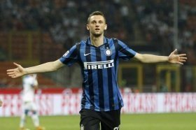 Man Utd face China fight for Marcelo Brozovic