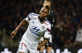 Tottenham Hotspur in talks to sign Clinton NJie