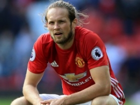 Daley Blind reacts to Manchester United exit rumours