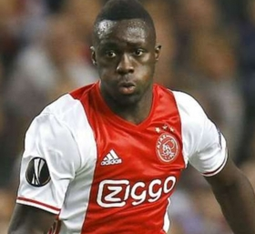 Chelsea and Tottenham dealt blow as Ajax confirm Davinson Sanchez will remain at club