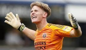 Manchester United goalkeeper joins Sheffield United on loan