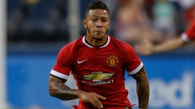 Man Utd  agree Memphis Depay sale
