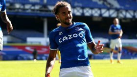 Manchester United made surprise approach for Everton star