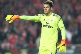 Manchester City sign Ederson Moraes