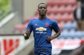Manchester United defender to make early injury comeback