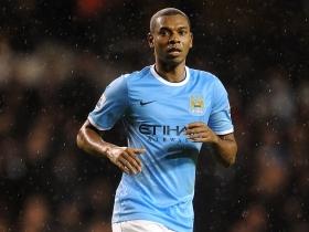 Fernandinho set for new Man City deal