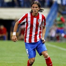 Chelsea agree transfer fee for Filipe Luis