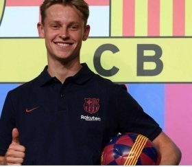 Frenkie De Jong passes Barcelona medical