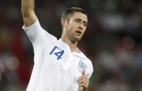 Roma lead Gary Cahill chase