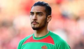 Southampton to sell Paulo Gazzaniga