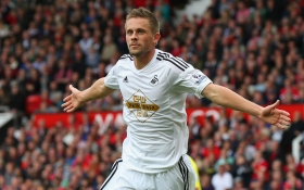 Everton could miss out on Gylfi Sigurdsson signing this summer