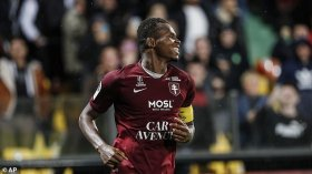 Chelsea to compete with Tottenham for Metz striker?
