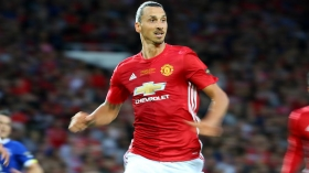 Zlatan Ibrahimovic pens new Man Utd deal