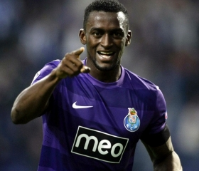 Liverpool interested in Jackson Martinez