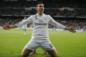 Real Madrid star accepts Man Utd transfer?
