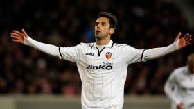 Spurs offered former Valencia midfielder