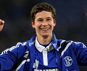 Man Utd ponder over summer move for Julian Draxler?