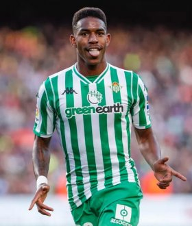 Junior Firpo joins Barcelona from Real Betis