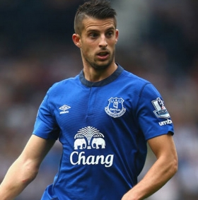 Belgian international signs new contract with Everton