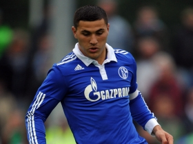 Arsenal agree deal to sign Schalke left-back Sead Kolasinac