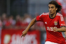 Liverpool eye Benfica star as Adam Lallana alternative