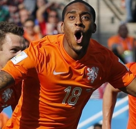 Sunderland to bid for Leroy Fer?