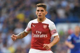 Arsenal midfielder wanted by Napoli
