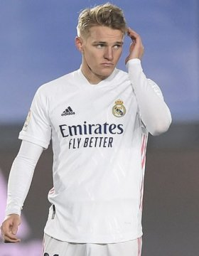 Is Odegaard the successor for Ozil?