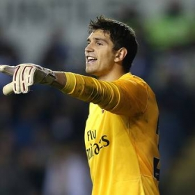 Emiliano Martinez inks fresh Arsenal contract