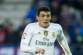Manchester United in for Real Madrid midfielder