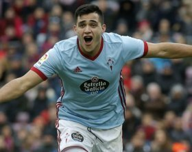 West Ham battle with Valencia to sign Maxi Gomez