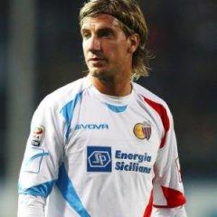Norwich linked with surprise Maxi Lopez bid