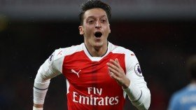 Mesut Ozil being offered to clubs by his entourage?