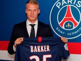 PSG sign Ajax wonderkid Mitchel Bakker