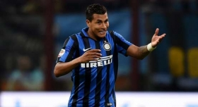 Valencia carry on summer spending with signing of defender Jeison Murillo