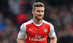 Mustafi: Arsenal can still win the league