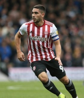 Brighton seal move for Maupay