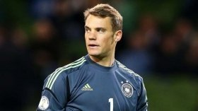 Bayern sign Schalke goalkeeper Alexander Nubel on a free transfer