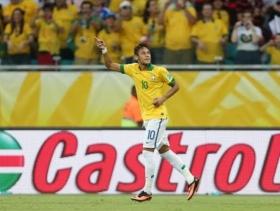 Scolari praises Neymar after opening game performance