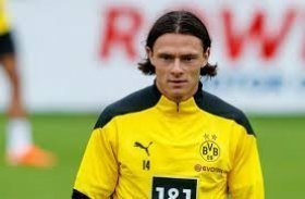 Manchester United failed with late move to sign Borussia Dortmund defender