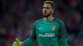 La Liga goalkeeper open to joining Manchester United